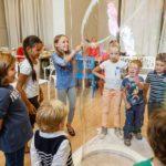 Дискотека с мыльными пузырями
